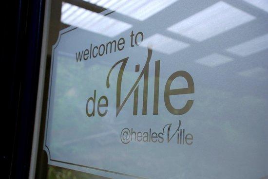 DeVille at Healesville : Deville