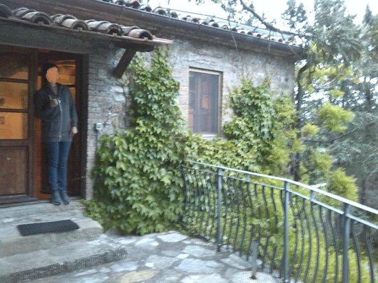 Agriturismo Ca de Carlicchi: Ingresso casa sopra