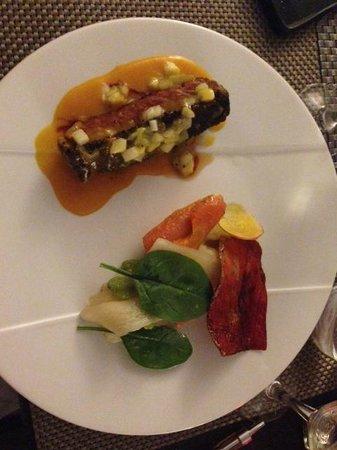 La Gargotte : Plat principal : magret de canard, sauce aux fruits exotiques et petits légumes