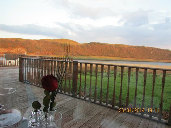 The Galley of Lorne Inn: Stunning Views whilst dining