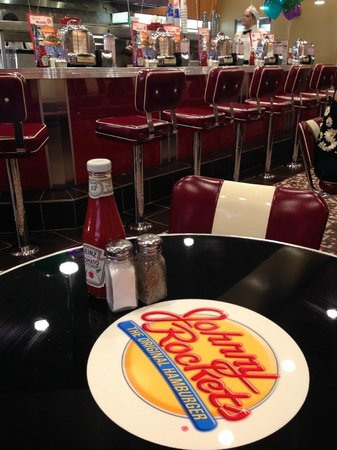 Johnny Rockets Dolphin Mall : Sala interna