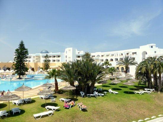 Ramada Liberty Resort Hotel: swimming pool