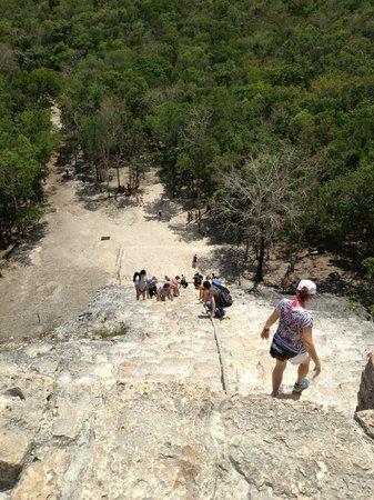 Ruines de Cobá : Ixmoja descent
