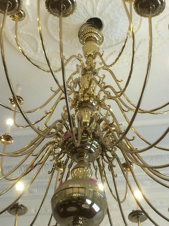 Royal Court Hotel - Coventry: Chandelier fitting looking a bit suspect