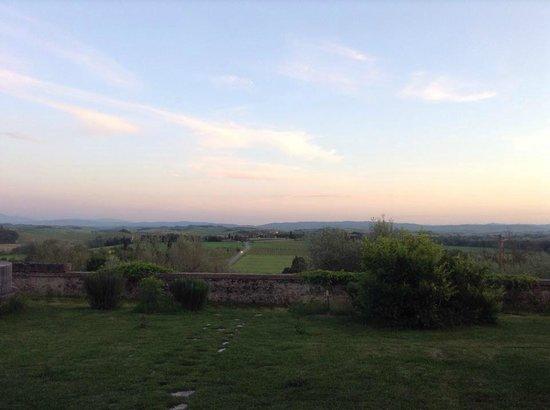 Villa Brignole: panorama dal giardino al tramonto