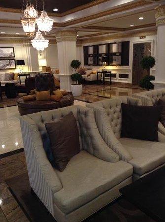 Hamilton Hotel Washington DC : hotel lobby