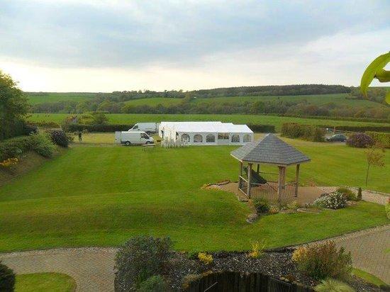Little Bidlake Farm: Stunning rolling countryside