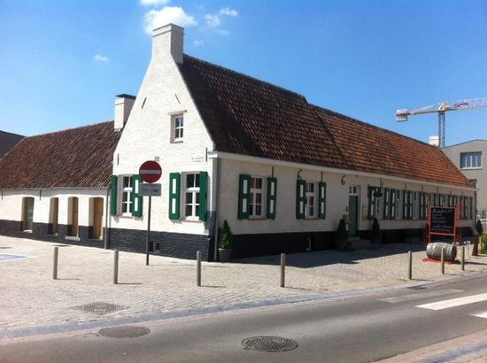 spijshuis Godelieve op de hoek van de donkerstraat en deTempelhofstraat