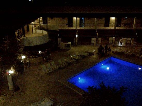 Colossus Hotel: Night