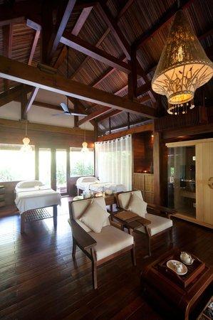 An Lam Ninh Van Bay Villas: Spa treatment room
