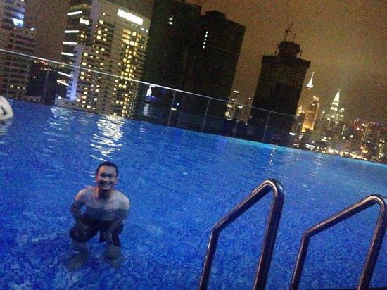 Genial Aloft Kuala Lumpur Sentral: Sky Swimming Pool With KLCC View