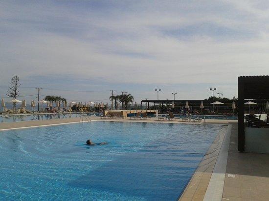 Sentido Carda Beach Atlantica: good pool area