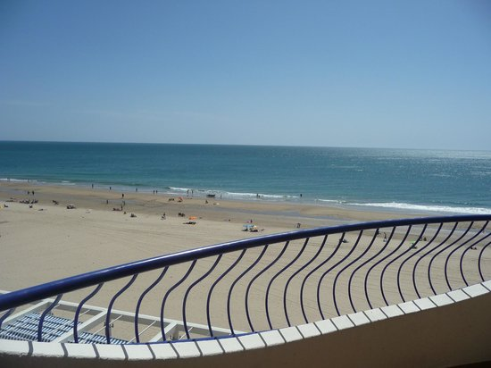 Hotel Playa Victoria: Da varanda olhando o mar.
