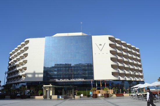Hotel Playa Victoria: Sua beleza esta por fora e por dentro.