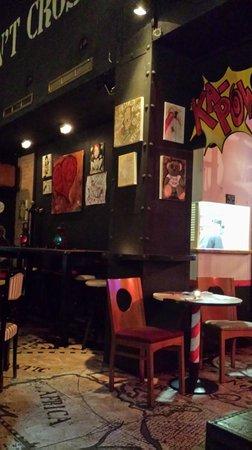 El Resto Bar: Φώτο από κινητό, συγνώμη για την χαμηλή ανάλυση