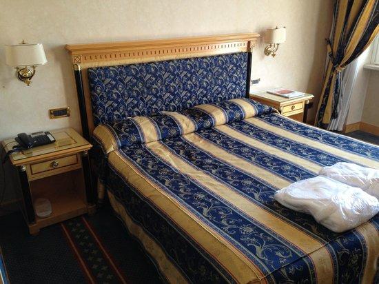 Hotel Excelsior San Marco : Das Bett im Deluxe-Zimmer
