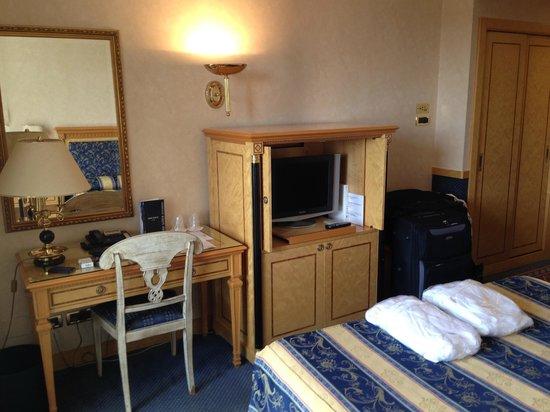 Hotel Excelsior San Marco : Einrichtung des Deluxe-Zimmers