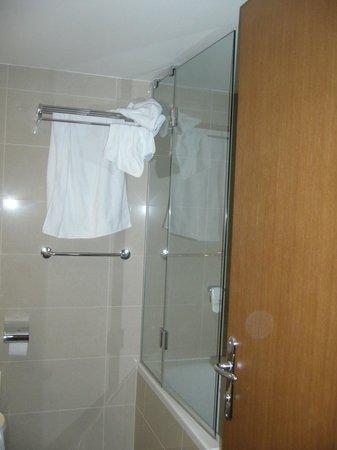 Valamar Riviera Hotel & Residence: Bathroom
