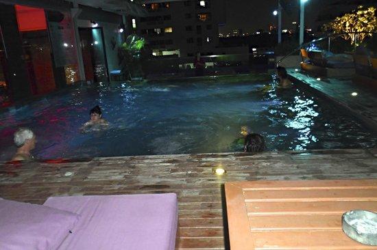 Galleria 10 Sukhumvit: Rooftop pool