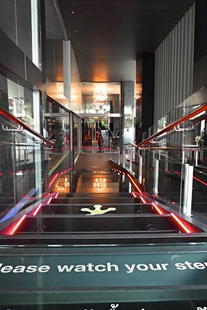 Galleria 10 Sukhumvit: Entrance of hotel