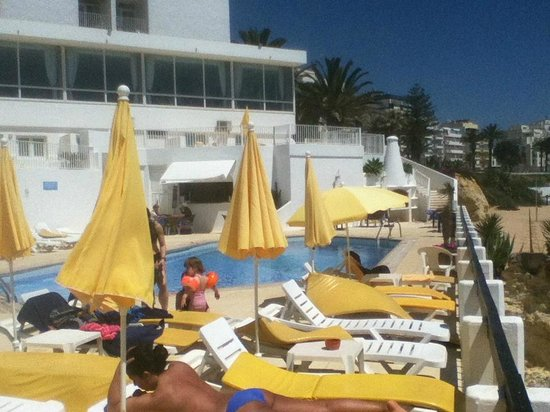Holiday Inn Algarve: poolside