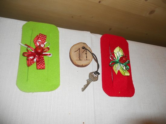 Agritur Il Tempo delle Mele: i porta tovaglioli e le chiavi della camera