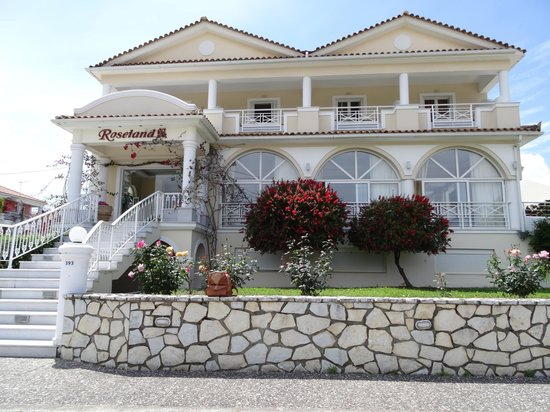 Roseland Hotel: Front of hotel