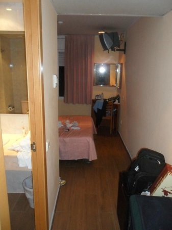 Hotel Cortes: Ingresso della camera