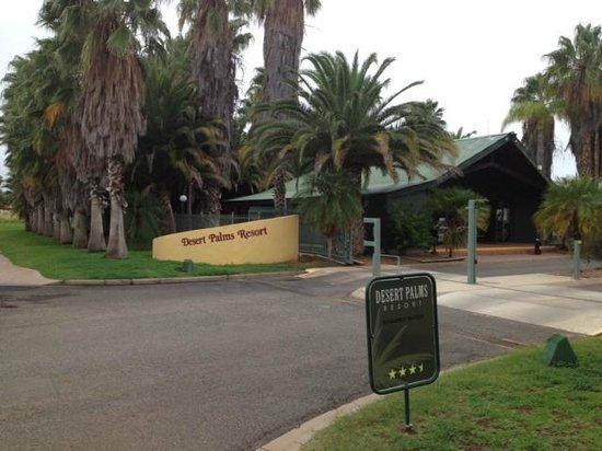 Desert Palms Alice Springs: entrance