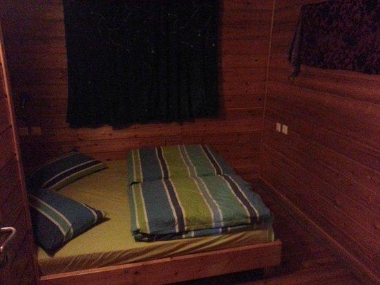 Belfer's Dead Sea Cabins: Bedroom