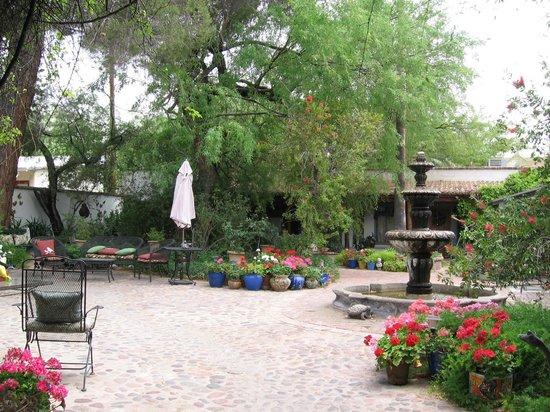 El Presidio Inn Bed and Breakfast : Courtyard