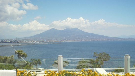 Eurostars Hotel Excelsior : vista Vesuvio