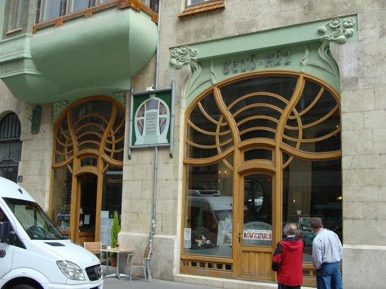 Fungarian : Cafe Bedő Ház