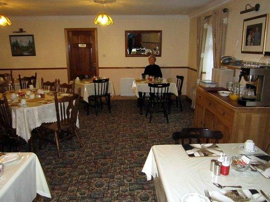 Devane's B&B: Dining Area