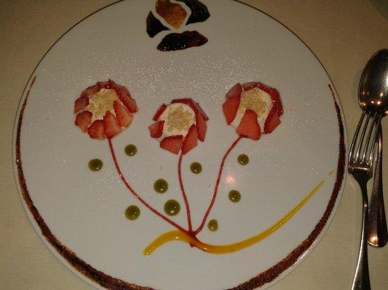 "La Truffe Noire: ""Blanc-manger de fraises"" ... So beautiful, I almost didn't dare to eat them !"