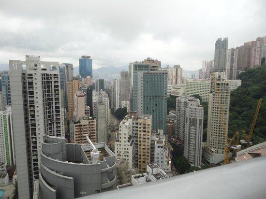 Metropark Hotel Causeway Bay Hong Kong: View from pool