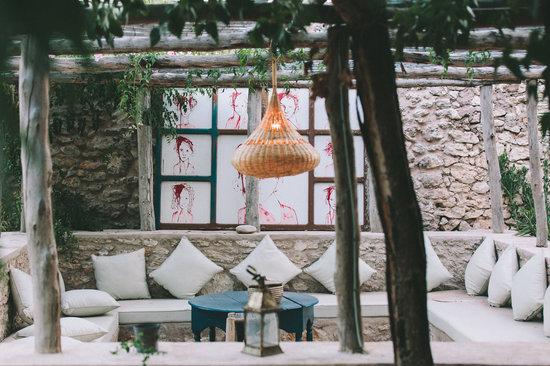 Riad Baoussala: Outside living room