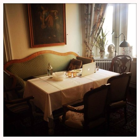 Strand Hotell : part of the dining room, but also great for meetings, working