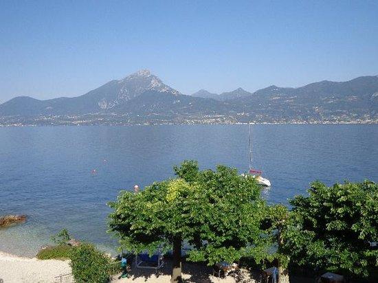 Hotel Residence Sirenella: vista lago al mattino