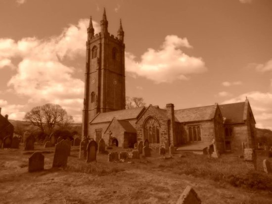 Beera Farmhouse : The 'Ghost Town' Widecombe in the Moor