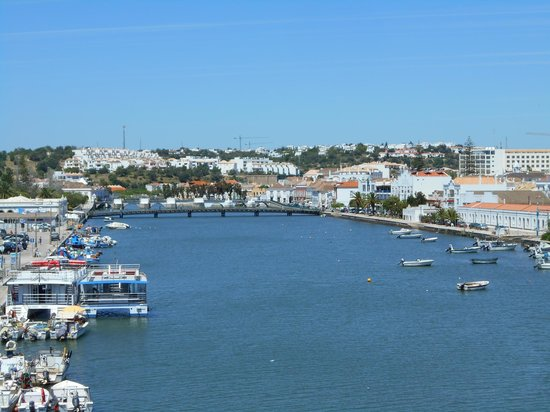 Cabanas Resort Park : The far end of Tavira from the high bridge
