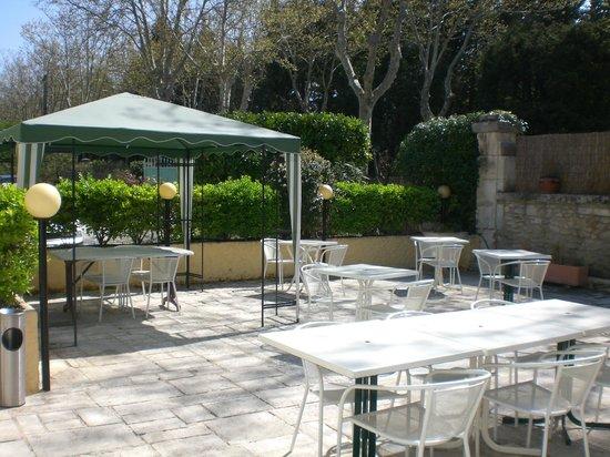 Hôtel de la Caume : La terrasse des petits déjeuners