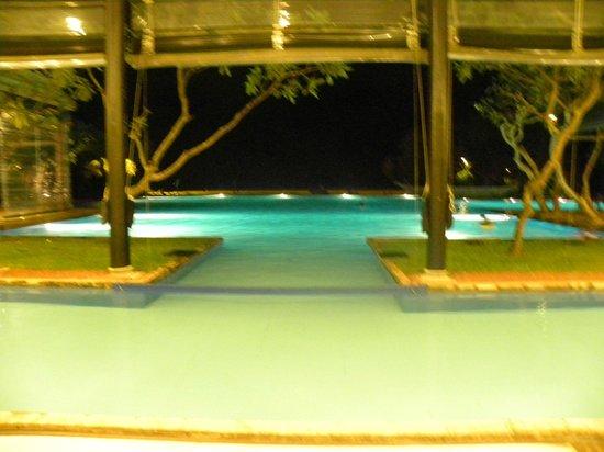Heritance Ahungalla : pool & Lobby