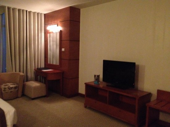Muong Thanh Hanoi Hotel: deluxe room