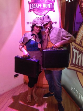 The Escape Hunt Experience Bangkok : THE GREATEST DETECTIVES EVER