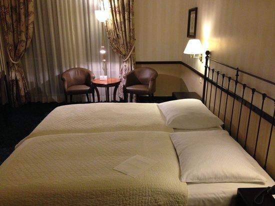 Hotel Opera Zurich : Doppelzimmer in 4. Etage
