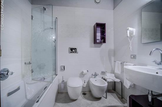 Arli Hotel: bagno