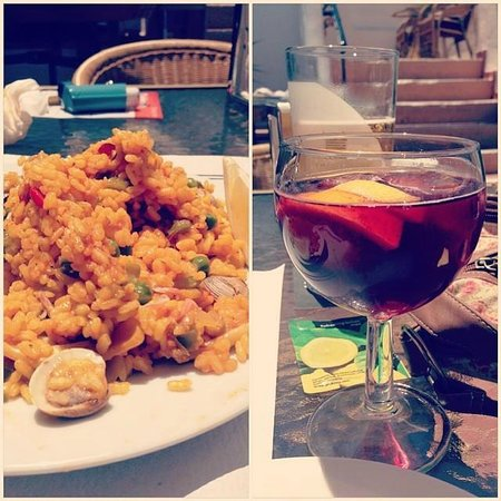Pueblo Evita Club : Paella and Sangria from cookery demonstration - lovely!