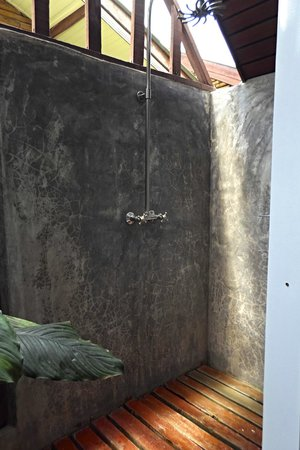 Green Papaya Resort: bathroom