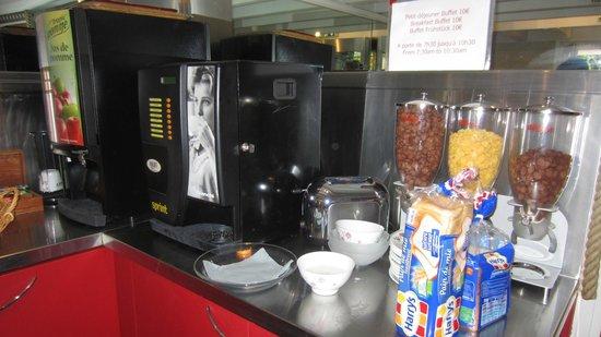 Hotel Durante: café, thé, cacao, jus, céréales, yaourt, compotes, fruits frais....